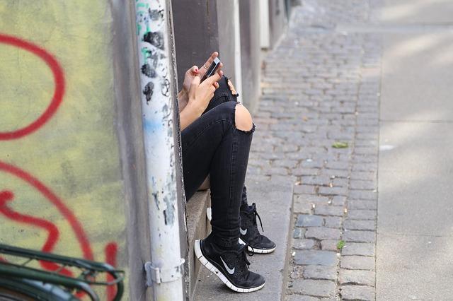 girl-518517_640.jpg